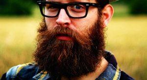 メガネと髭